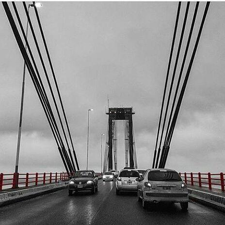 Sábado frío y con mucha llovizna en #Corrientes 😔🌫🌧. La temperatura actual es de 13° y 95% es la humedad 😵. El @smn_argentina informa que mañana el tiempo se mantendría inestable y la máxima sería de 18°. . 📸 @luccianoboccolini