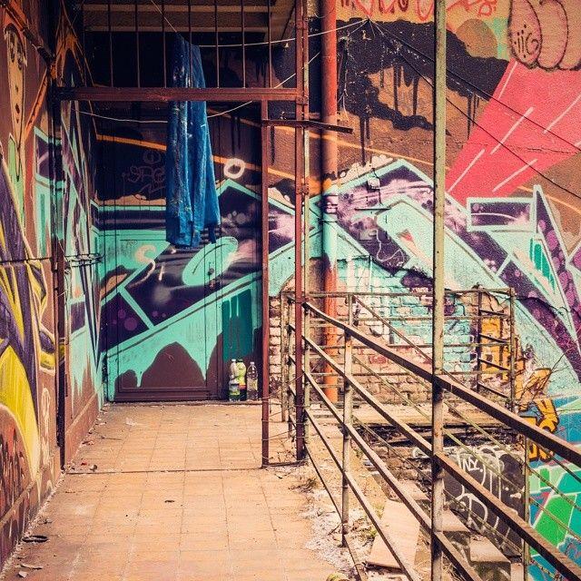 #newdress #fashion #streetart #urbex #opencloakroom #trafacka
