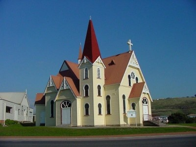 Heritage-listed Uniting Church on the foreshore in Penguin. Photo by Dan Fellow.