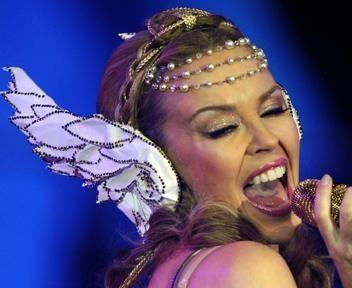 FOTO 3 - Kylie Minogue e il suo Aphrodite Tour nelle città d'Europa ...