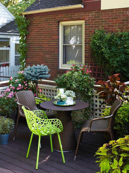 Deck decor ideas gardens an and backyards for Home garden plants