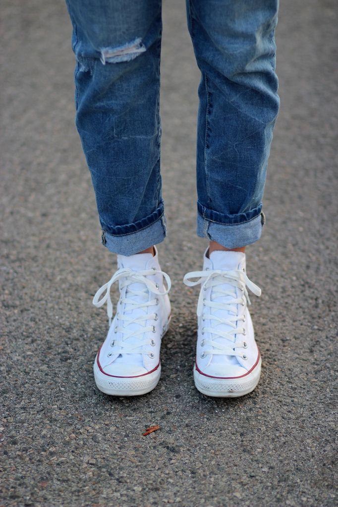 turtleneck & sneakers