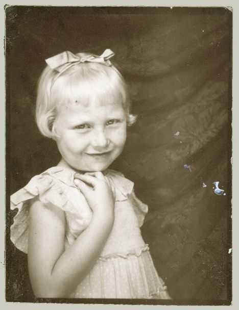 +~ Vintage Photo Booth Picture ~+ Blond sweetness with a bow.