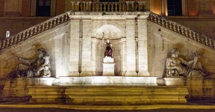 Vamos continuar nosso passeio noturno . . La Dea Roma em Piazza del Campidoglio  entre duas estátuas que representam o rio Nilo e o rio Tibre. . Veja mais no Snapchat Em_Roma . #Roma #europe #travel #travelgram #instatravel #eurotrip #italia #italy #rome #trip #travelling #dearoma #goodvibe #amazing  #travellingaroundtheworld #snapchat #emroma#viagem #viajar #turismo #dicas #ferias #dicasdeviagem #brasileirospelomundo #campidoglio
