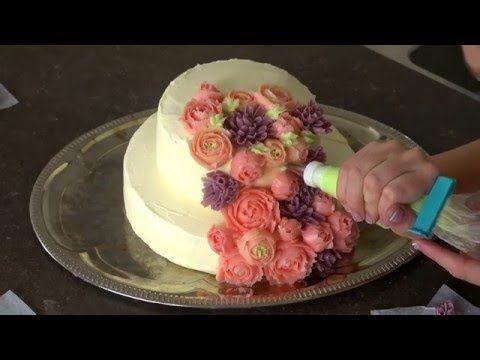Sådan laver Liv Martine blomster af smørcreme! - YouTube