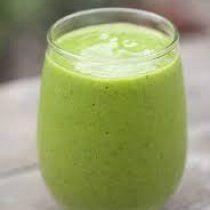 Recept Groene Zen Smoothie. Een bomvolle groene smoothie die je weerstand opkrikt. Geef verkoudheid of griep de kans niet om door te zetten!