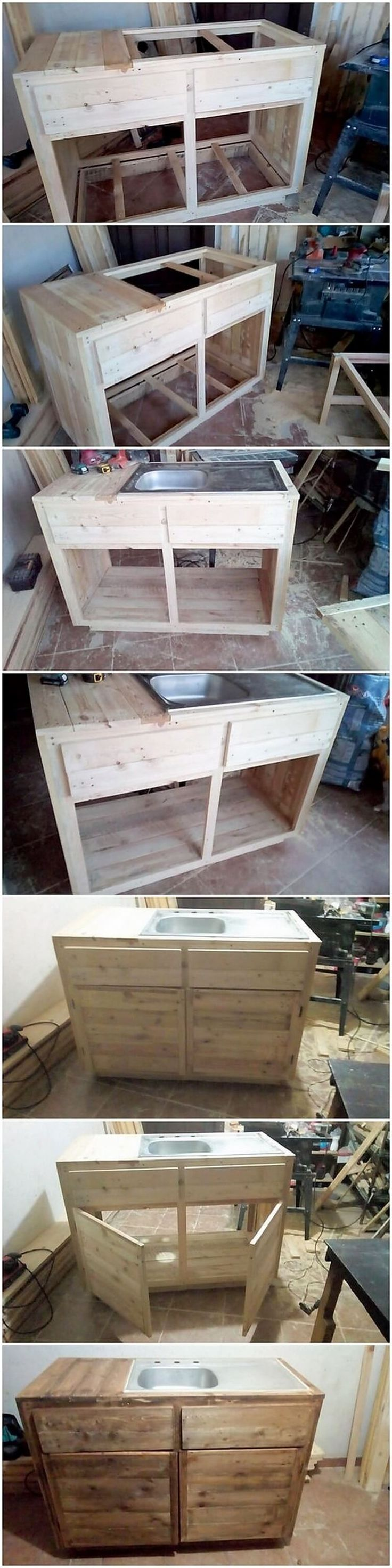 Giving your kitchen with the appearance view of the different styles of the sinks will surely make it look stylishly happening for others. This wood pallet sink piece of the design has been beautifully created with impressive look of being a bicycle. It look outstanding.
