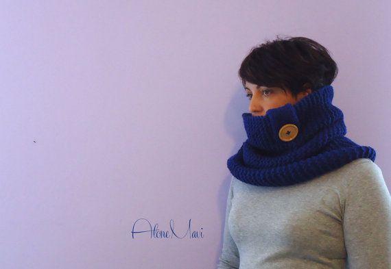 scarf blue sciarpa lana maglia blu con maxi bottone https://www.etsy.com/it/listing/202767944/maxi-sciarpa-lana-anello-camino-morbida?ref=shop_home_active_5
