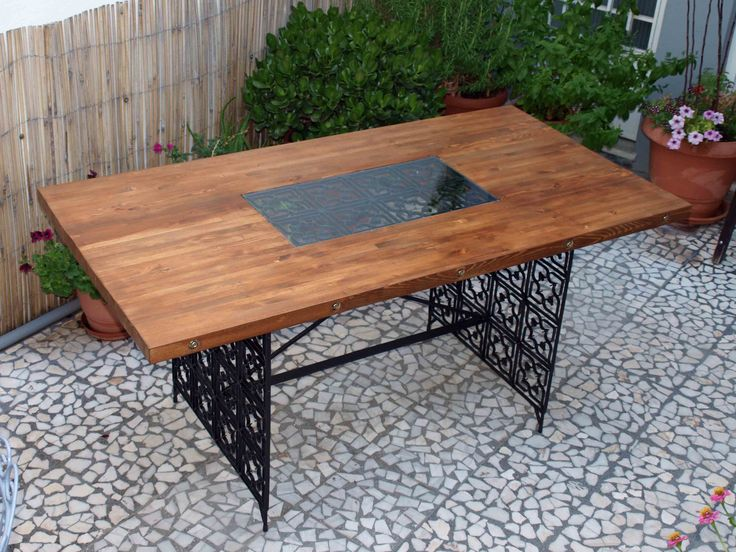 diy outdoor table, made of reclaimed - pallet wood, wrought iron grill and glass. Ideas, modern, vintage, design!