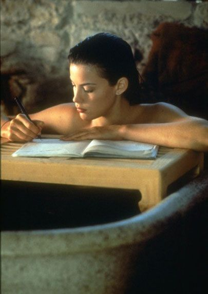 "Liv Tyler during the filming of ""Stealing Beauty"",directed by Bernardo Bertolucci - 1996"