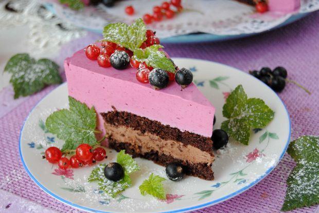 Tort czekoladowo- porzeczkowy