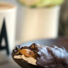 Hjemmelavet snickers - Opskrift på chokoladebar med peanuts