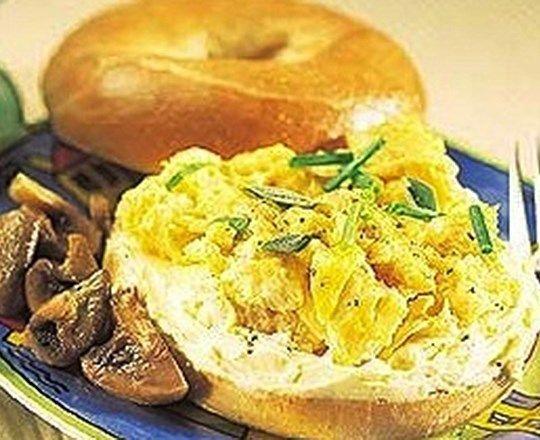 Creamy Scrambled Eggs and PHILLY | PHILADELPHIA #recipes #healthyrecipes #creamcheeserecipes