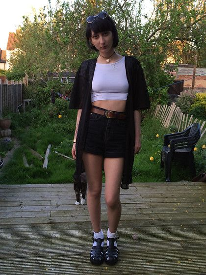 Forever 21 Polka Dot Sheer Dressing Gown, Forever 21 White Crop Top, Topshop High Waist Black Denim Shorts, British Heart Foundation Brown Leather Belt, Chockers Black Sandals, Cat Yoshi
