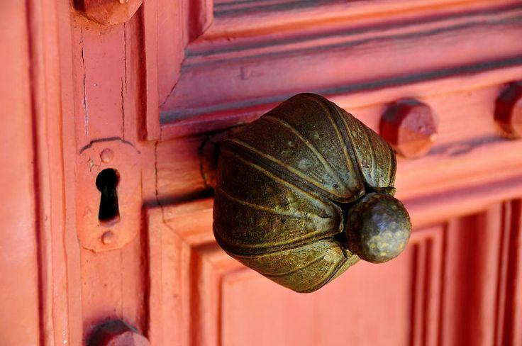 old door knob: Doors Handles, Doorknob, Art Prints, Coral Doors, Lee Thompson, David Lee, Old Doors Knobs, Antiques Doors, Old Door Knobs