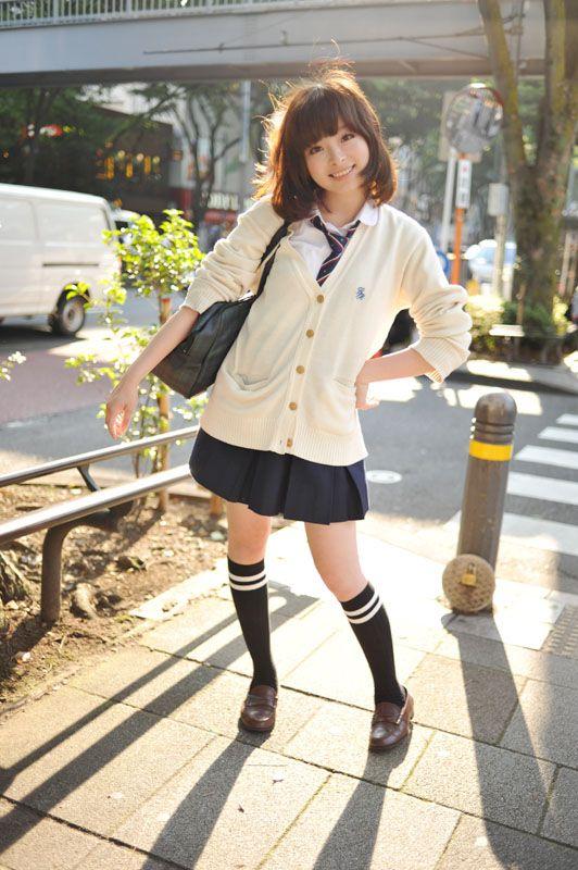 Japanese fashion. (j'aime trop les tenues écolières.. *w*)