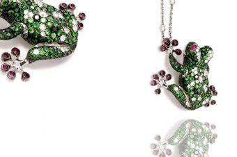 Gismondi Jewellery 1754 Frog pendant in white gold 18Kt with tsavorite, rubies and natural white diamonds.