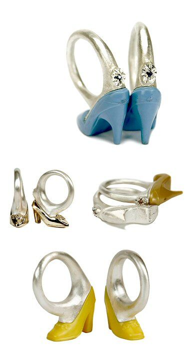TheCarrotbox.com modern jewellery blog : obsessed with rings // feed your fingers!: Maria Militsi / Moon Raven Designs