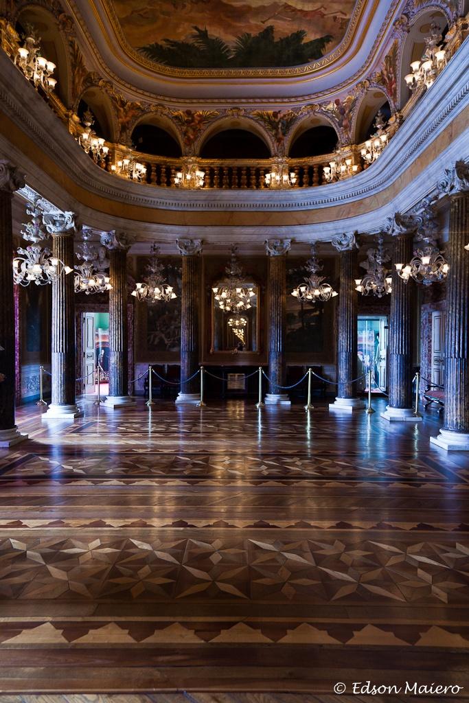 Salão Nobre do Teatro Amazonas: era aqui que os Barões da Borracha se reuniam nos intervalos da apresentações e discutiam política e negócios