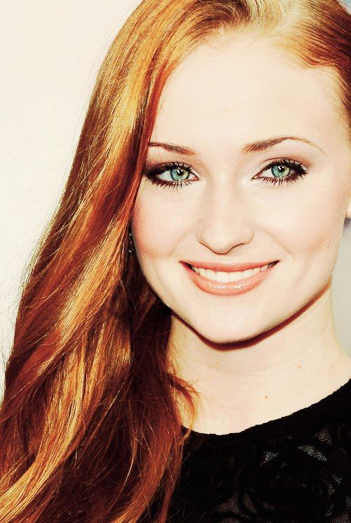 Sophie Turner [River Anderson] - Holy Sh*t, she's SMILING!! You gotta gorgeous smile, kid!!!