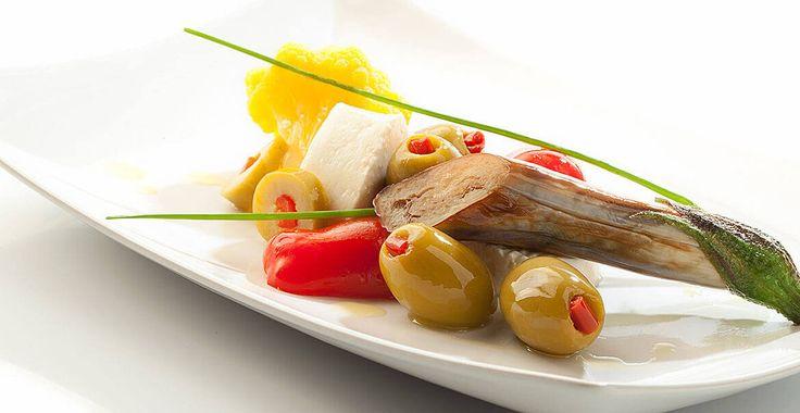 Ricetta Antipasto con Olive farcite al peperone - Ricette con le Olive