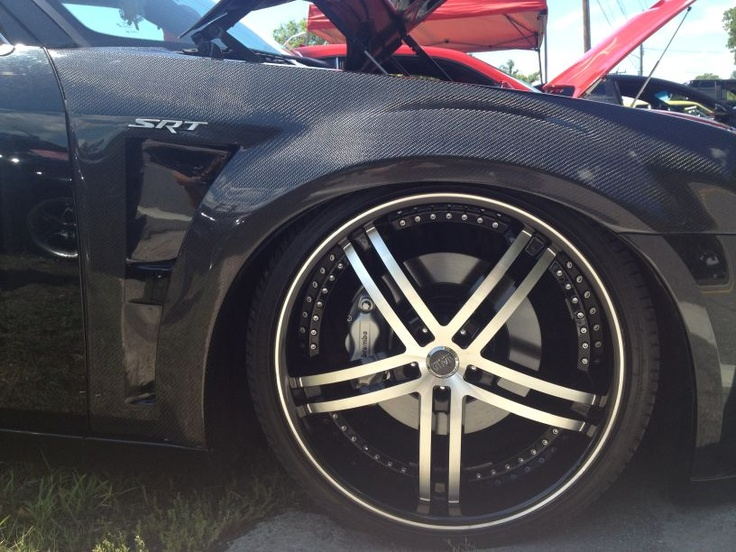 Srt 8 Chrysler 300 With Carbon Fiber Fenders The Made In
