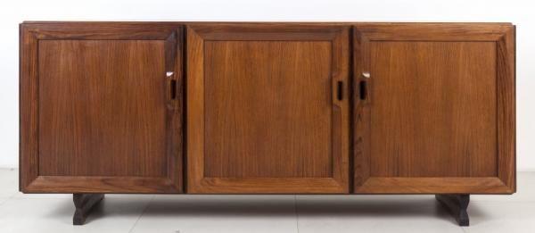 """FRANCO ALBINI - Una credenza """"MB 15"""" per POGGI, 1957. - Legno e impiallacciatura di[...], mis en vente lors de la vente """"Selected : Important Design"""" à Aste di Antiquariato Boetto   Auction.fr"""