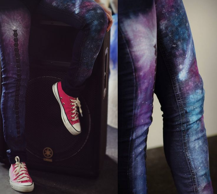 Handmade painted jeans with textile colors. Galaxy pattern personalized with Brancusi Infinity Column.