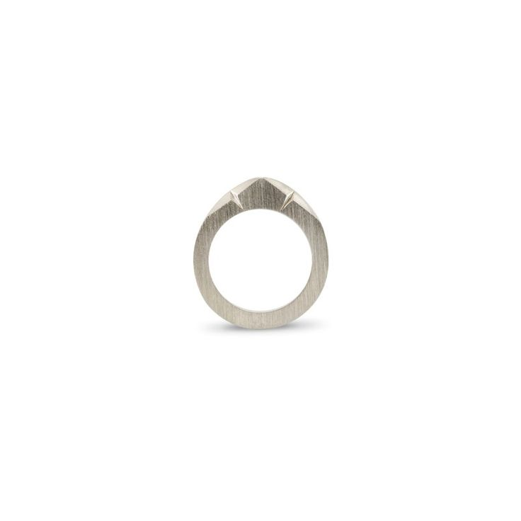 Egg ring med facetter | Louise Bech | 700kr