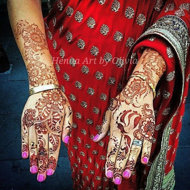 I love receiving pictures from my #brides! I'm loving the red #saree  #bridal #henna #mehndi #melbourne