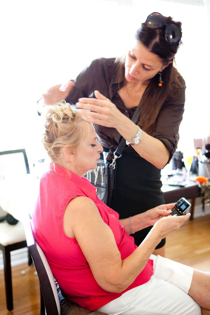 Amanda Reid and her team are the Professional #HairAndMakeupArtists based in #Toronto. Contact now to get a complete beauty package at unbelievable prices.