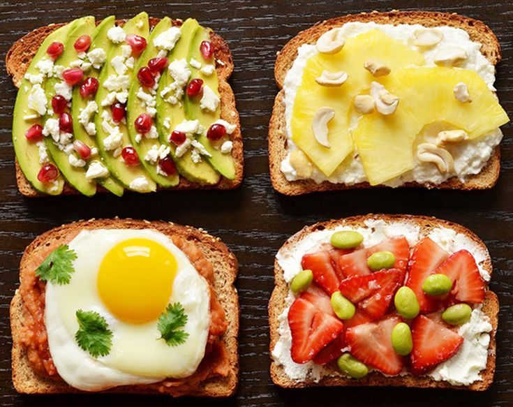 Mic dejun energizant pe o felie de paine. 10 idei de incercat - www.foodstory.ro