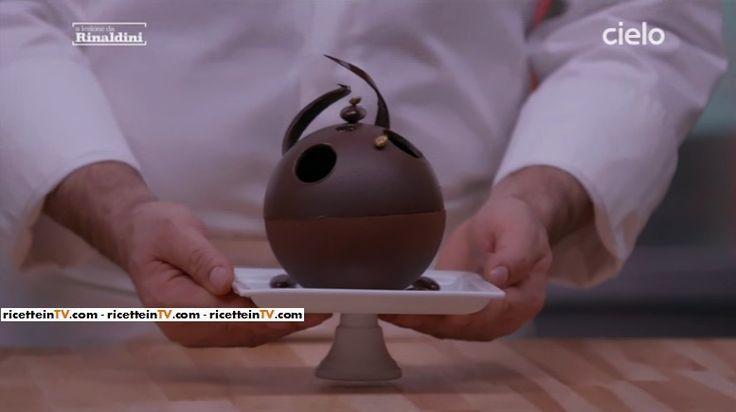 """Le dosi ed il procedimento del tiramisù al cioccolato di Roberto Rinaldini. Dalla rubrica in onda su Cielo """"A lezione da Rinaldini""""."""