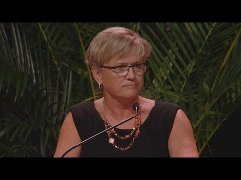 Holly Warlick Remembers Former Colleague Pat Summitt - YouTube