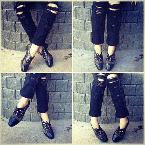 #vintage #lace #cutout #brogues #lacebrogues #oxfordshoes #retro #vintageshoes #grunge #laceoxford