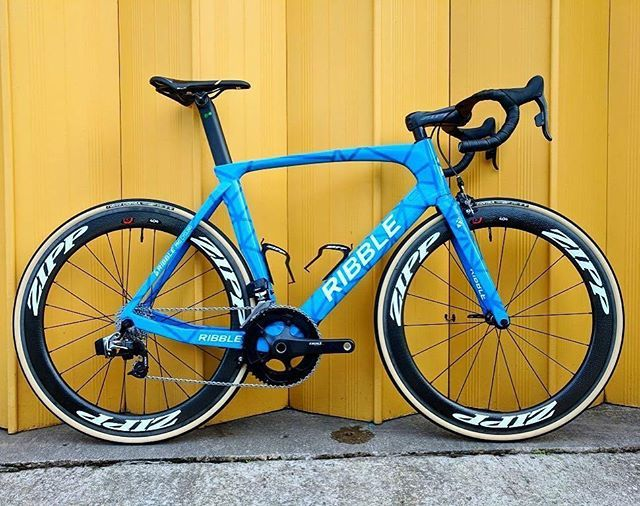 Liking the Ribble Team paint job. #wevelo #ribble #roadcycling #cyclinglife #bikelife #instagood #newkitday #fromwhereweride #roadbike #bikeporn #kitdoping #cyclinglife #cyclingphotos #cyclingshots #ride #bikestagram #lovemybike #outsideisfree #stravacycling #cycling #bikestagram #cyclinglife #triathlon #womenscycling #cyclingkit #rideordie #instabike #instacycling #bestbikekit #baaw repost @bestbikekit @ribble_cycles @teamribble @zippspeed @sramroad