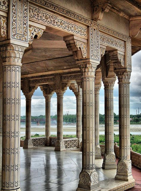 Agra Fort ~ Agra, Uttar Pradesh, India [photo by María Victoria Guerrero Catalán, Trujillo, Extremadura, Spain]....
