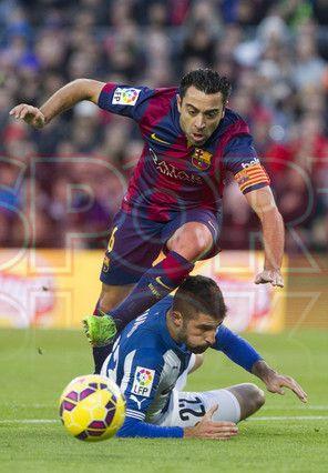 Xavi Hernández avanzando con balón controlado | Barça, 5 - Espanyol, 1
