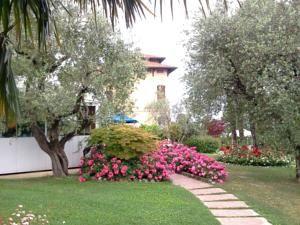 Desenzano del Garda, Villa Maria Hotel & Residence  www.villamaria.tv