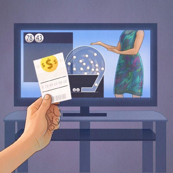 Un joueur vérifie son ticket de loterie pendant que les résultats sont annoncés à la télévision
