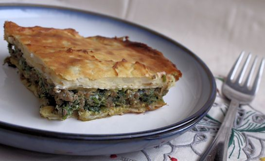 mina de carne  Mina is the classic Turkish dish for Passover, this version uses meat but the vegetarian version, especially spinach and cheese (mina de espinaca) version is quite common.  Looks like a good way to use up leftover matza.
