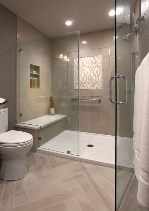 Cool 45 Vintage Farmhouse Bathroom Remodel Ideas On A Budget. More at https://trendecorist.com/2018/02/12/45-vintage-farmhouse-bathroom-remodel-ideas-budget/