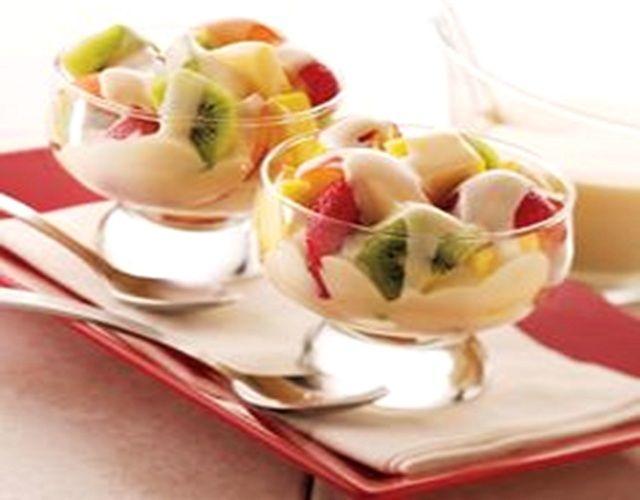 Salada de Fruta com Molho de Iogurte