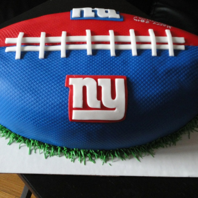 NY GIANTS FOOTBALL CAKE. Totally making this for the next Giants Super Bowl!!!