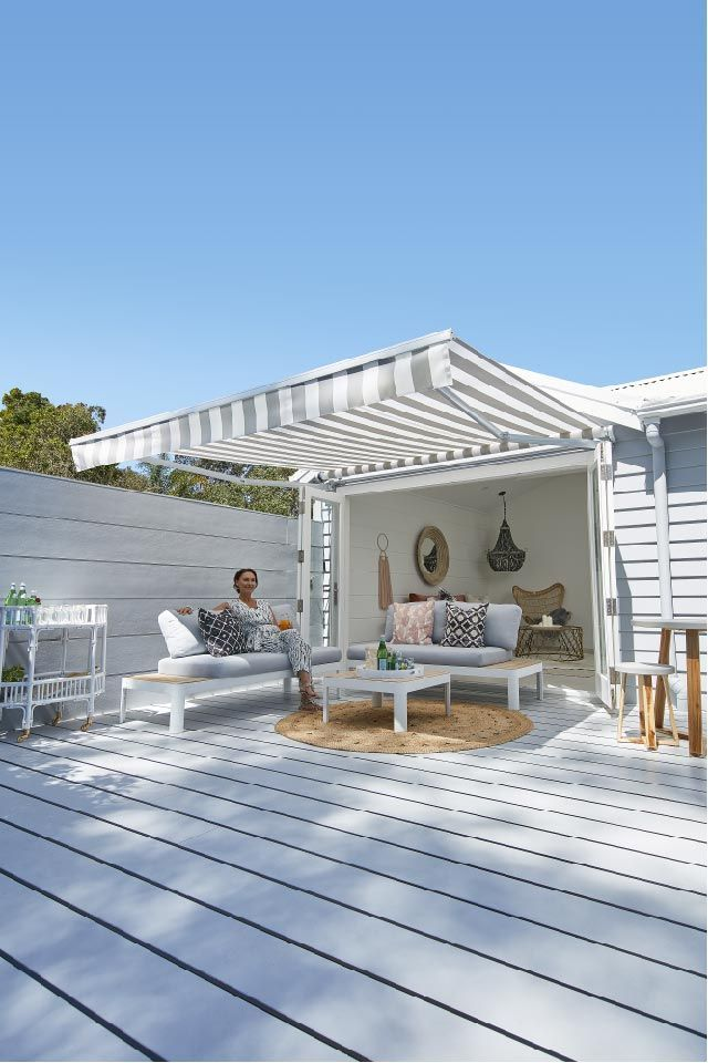 super popular 805d5 24302 The Luxaflex® Ventura Awning is an affordable folding arm ...