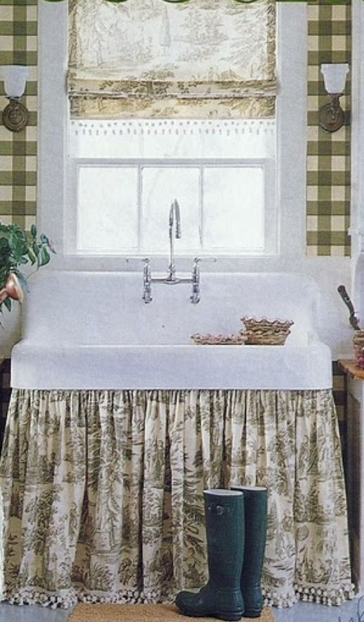 Kitchen Farmhouse Sink With Fabric Apron To Hide Pipes