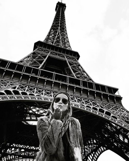 @sincerelyjules. Eiffel Tower.