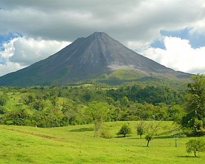 Arenal Volcano National Park, Costa Rica. We must see this!! Beautiful!