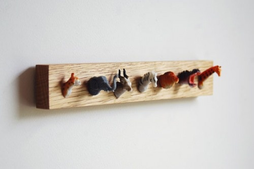 Animal head coat rack - Muovieläimet - Naulakko - DIY - Plastic toys