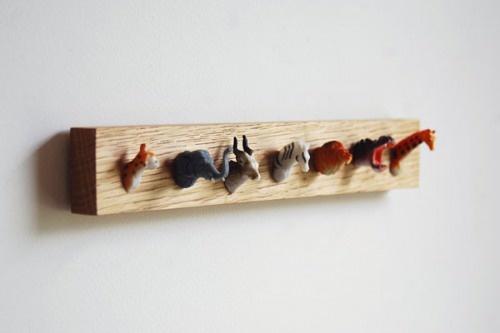 Animal head coat rack - Muovieläimet - Naulakko - DIY - Plastic toys